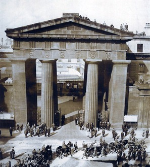 euston arch_thumb[3]
