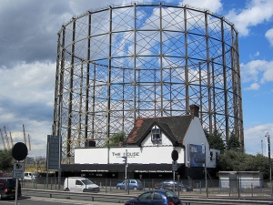 The notorious Peninsula gasholder